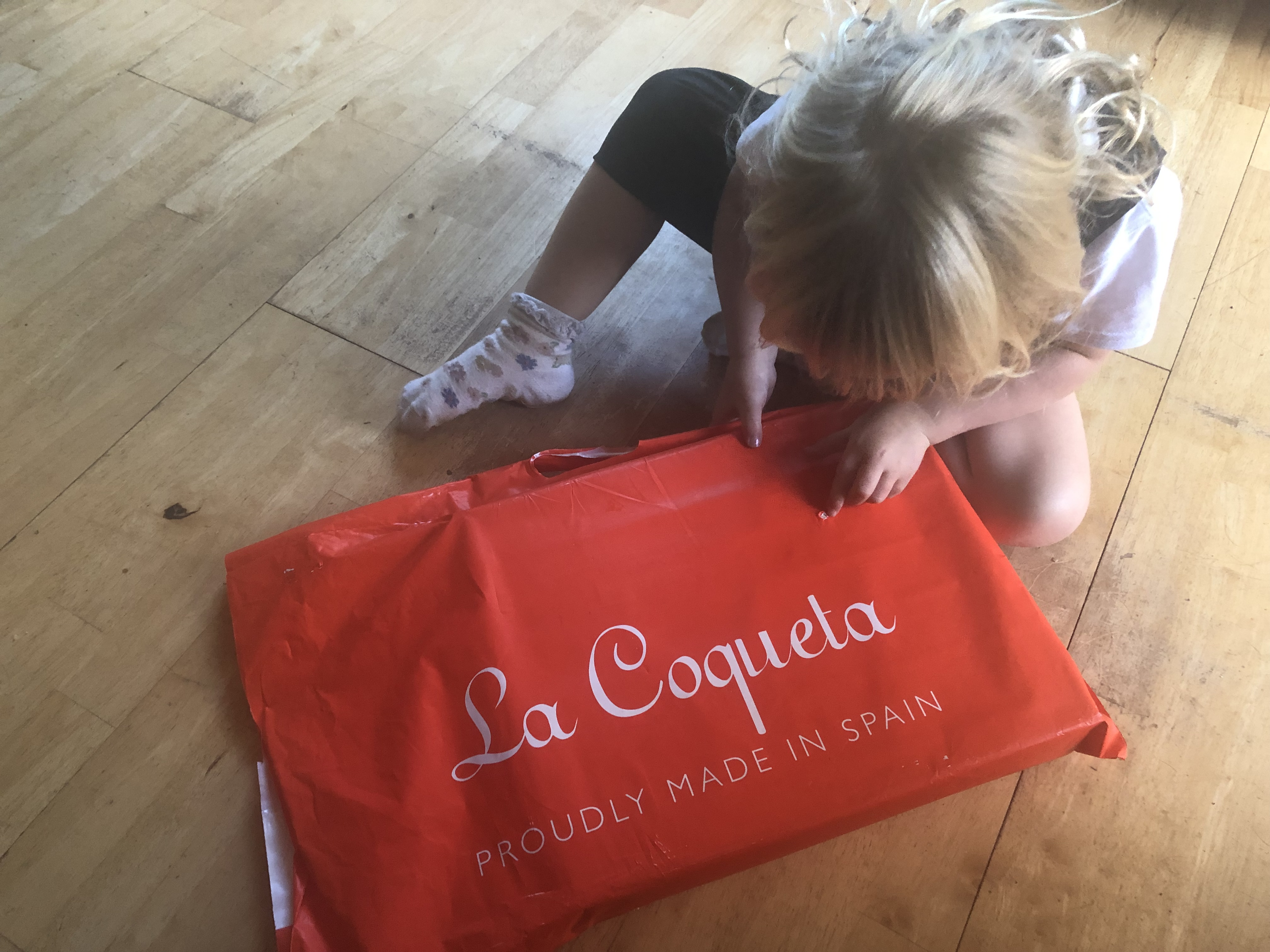 Little red riding hood – a review for La Coqueta